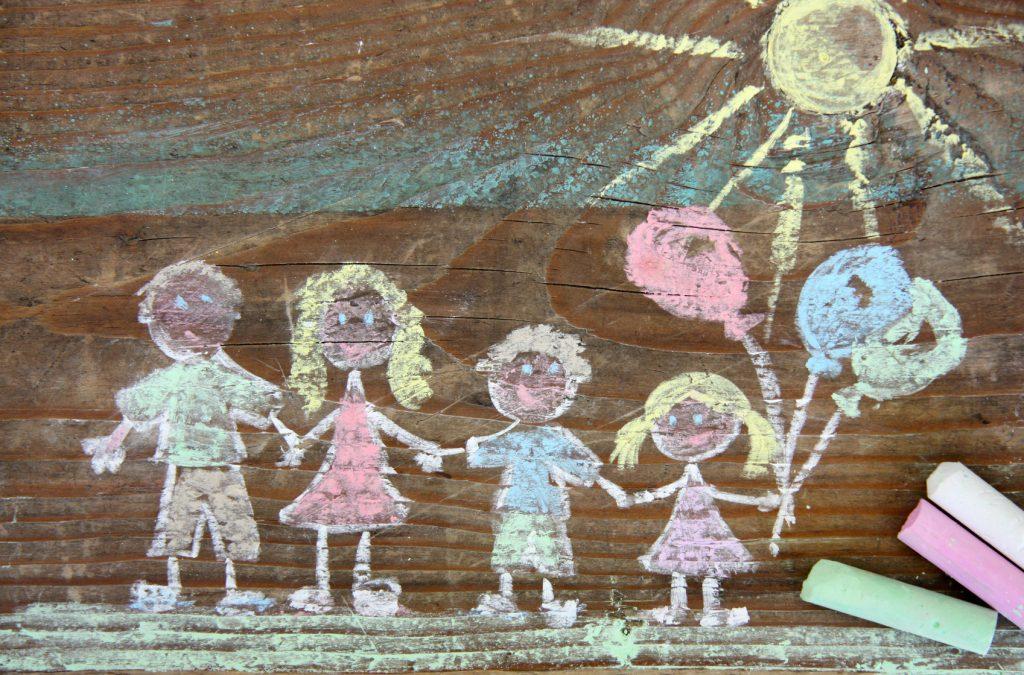 Familie gemalt mit Kreide